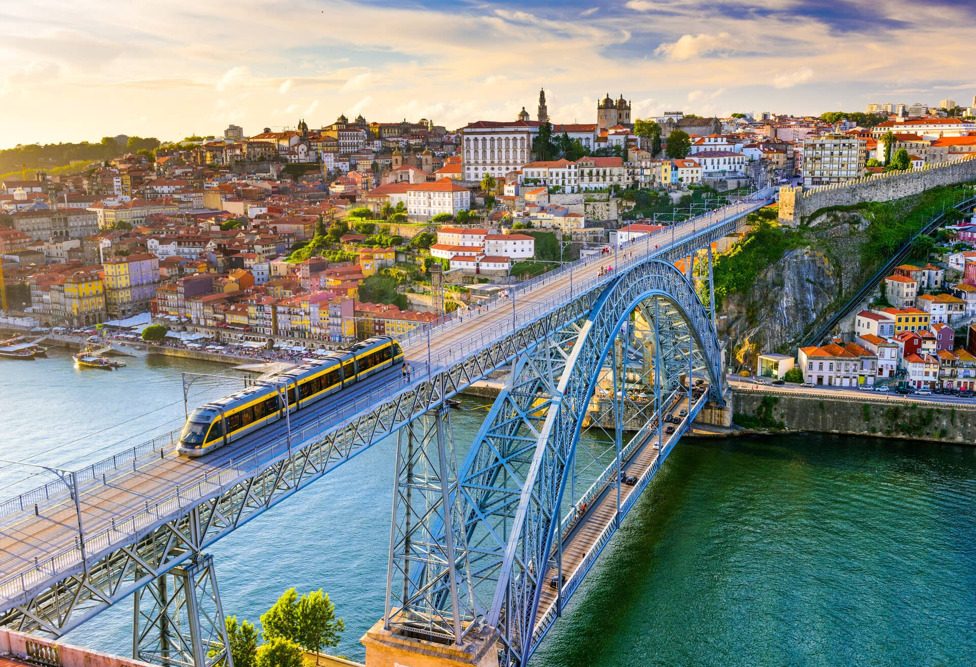 City view in Portugal on the Douro river and the Ponte Luís