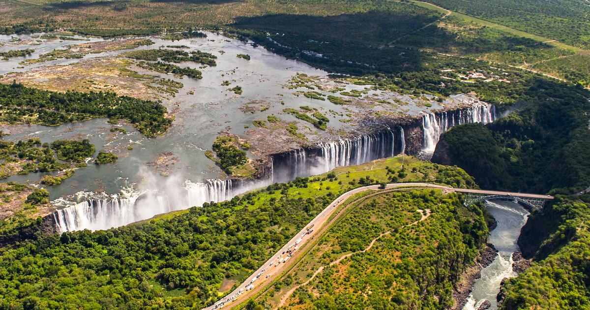 safari guide to the zambezi river victoria falls amp kariba
