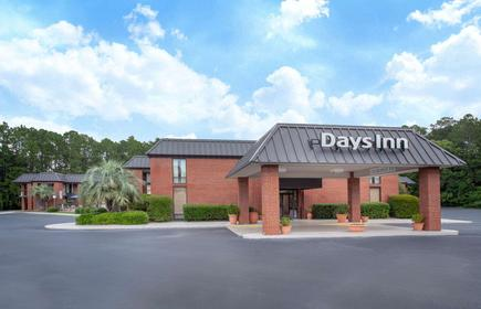 Days Inn by Wyndham Statesboro