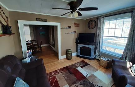 Arcadian Maine Home Close To Downtown Bangor With King Bed