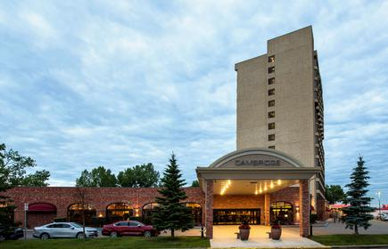 Cambridge Red Deer Hotel & Conference