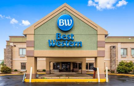 Best Western Crossroads Inn