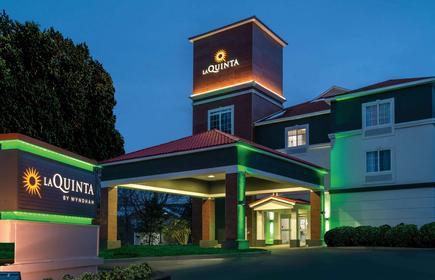La Quinta Inn & Suites by Wyndham Latham Albany Airport