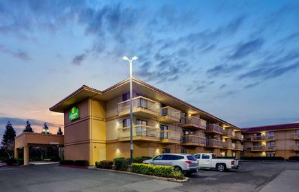 La Quinta Inn & Suites by Wyndham Oakland - Hayward