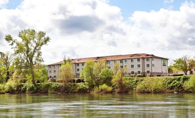 Holiday Inn Express Corvallis-ON The River