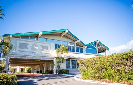 Best Western Plus Yacht Harbor Inn