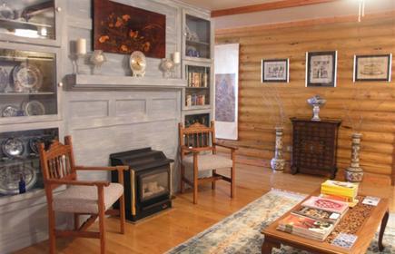 Quarter Horse Inn & Lodge