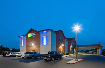 Holiday Inn Express & Suites Watsonville