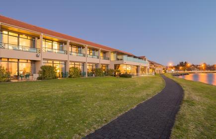 Millennium Hotel & Resort Manuels