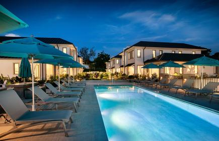 Villas & Suites at Beach View