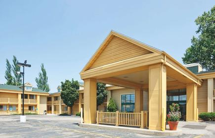 La Quinta Inn by Wyndham Oshkosh