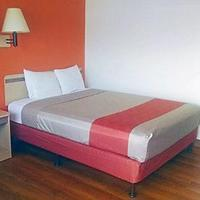 Motel 6 Ely Guest Room