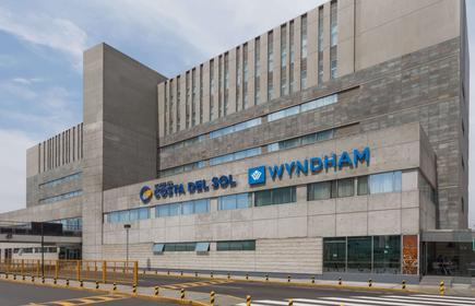 Wyndham Costa del Sol Lima Airport