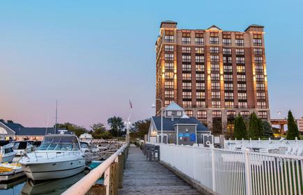 Shoreline Inn and Conference C Ascend Hotel Collection