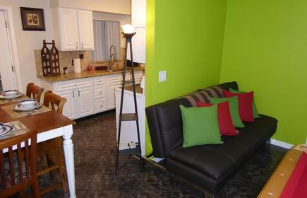Orlando Area 4BR/2BA Home w/Jacuzzi & New Communal pool Disney Universal Daytona