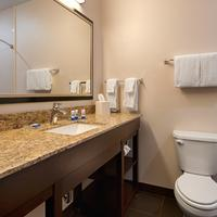 Best Western PLUS Casper Inn & Suites Guest Bathroom