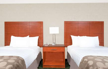 Ramada by Wyndham Lexington North Hotel & Conference Center