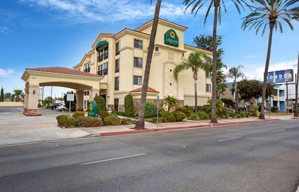 La Quinta Inn & Suites by Wyndham NE Long Beach/Cypress