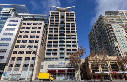 Oaks Adelaide Horizons Suites