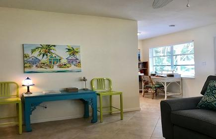 Pet Friendly, Super Clean, Updated & Well-Equipped House Near Beaches & Stuart