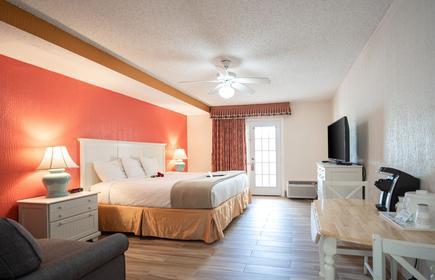 Island Sun Inn & Suites - Venice, Florida Historic Downtown & Beach Getaway