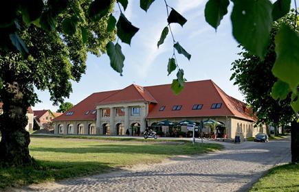 Remise & Westflügel Schloss Stolpe