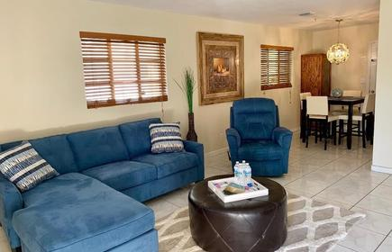 Restful in Lantana ~ Minutes from the Beach