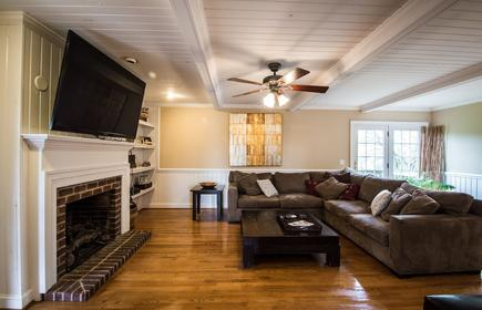 5bd/4.5ba - 5k/ft Home - Heated Pool/hot-tub - In Town But Farms On 3 Sides!