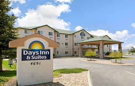 Days Inn & Suites by Wyndham Castle Rock