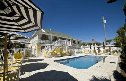Georgianne Inn & Suites