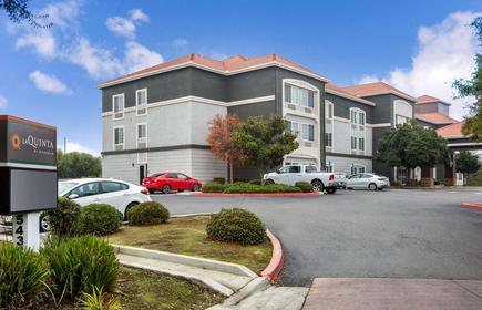La Quinta Inn & Suites by Wyndham Visalia/Sequoia Gateway