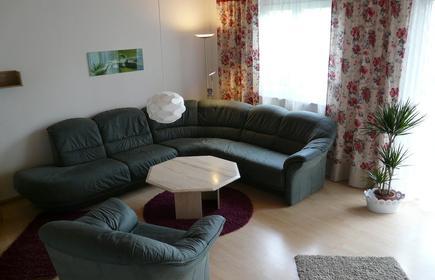 Bright, tasteful apartment, quiet, yet convenient location in Freiburg