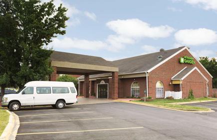 Wyndham Garden Grand Rapids Airport