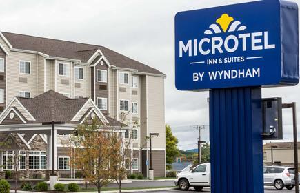 Microtel Inn & Suites by Wyndham Altoona