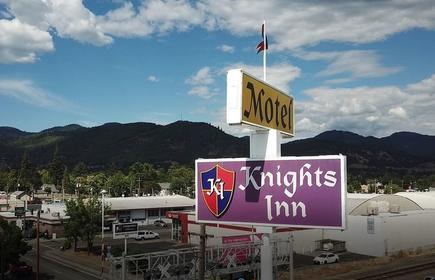 Knight's Inn Motel