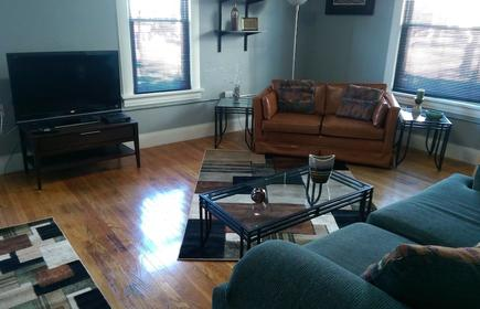 Spacious 2 Level Apartment Above Pro Video on 6th Street NW in Cedar Rapids