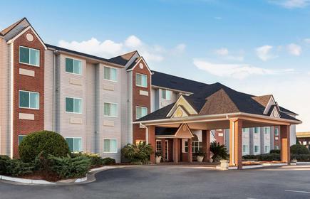 Microtel Inn & Suites by Wyndham Tifton