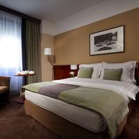 Best Western Premier Hotel Slon Comfort Queen Bed Guest Room