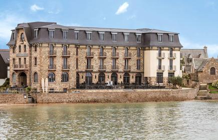 Le Castel Beau Site
