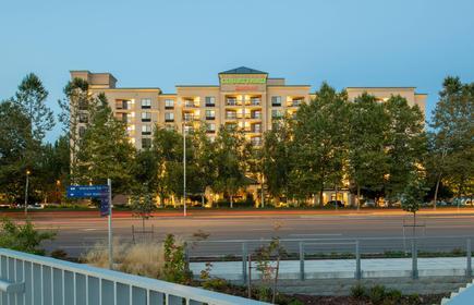 Courtyard by Marriott Seattle Sea-Tac Area
