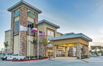 La Quinta Inn & Suites by Wyndham Rockport Fulton