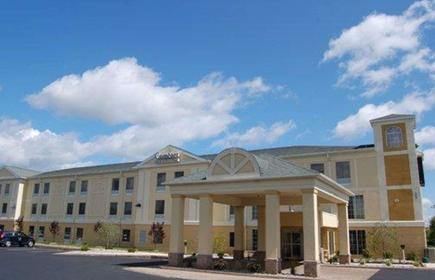 Comfort Inn and Suites Near Pocono Mountains