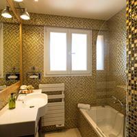 Best Western Plus Montfleuri Guest Bathroom