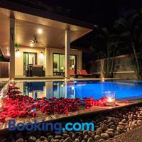 Phuket Pool Residence