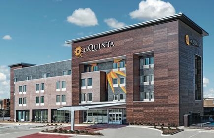 La Quinta Inn & Suites by Wyndham Dallas Grand Prairie North