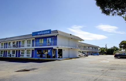 Motel 6 Lantana - Fl