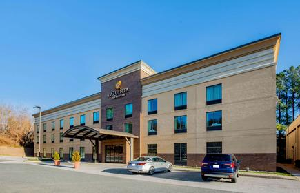 La Quinta Inn & Suites by Wyndham Bel Air/I-95 Exit 77A
