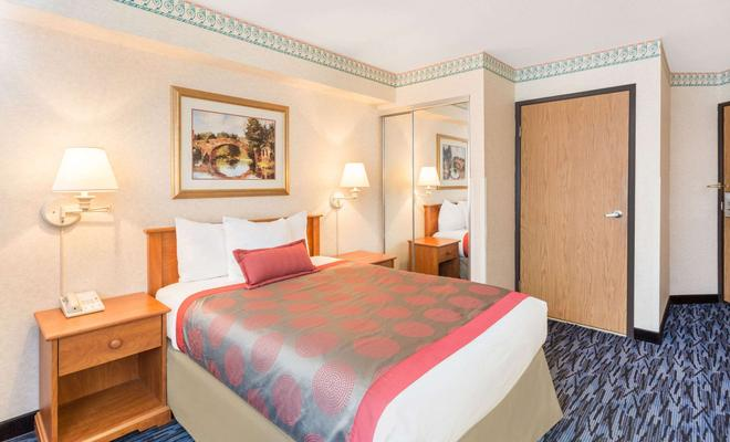 Holiday Inn Hotel & Suites Seattle-Kent