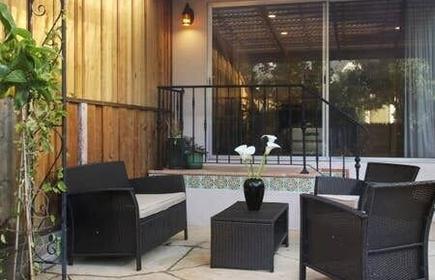 Quiet, Well-lit 1br/1ba Duplex Unit With Garden
