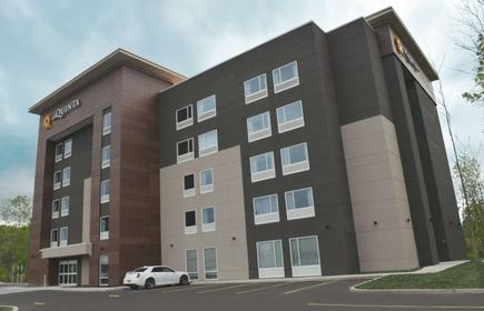 La Quinta Inn & Suites by Wyndham Buffalo Amherst